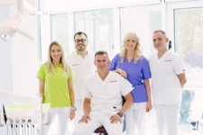 Echipa BrOni Implant