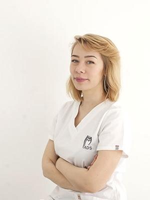 Dr. Silvia Sipa
